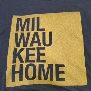 Unbranded Tops - Milwaukee Home tshirt